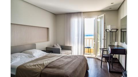 Co to łóżko tapicerowane?