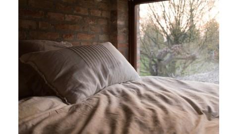 Poduszka puchowa, wełniana czy syntetyczna – co wybrać?